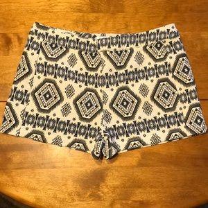 f0eb29fbfd21 JustFab Aztec Western Shorts Size Large